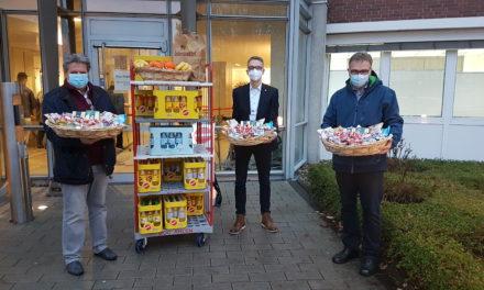 Spende Edeka-Wendorf für St. Bernhard-MitarbeiterInnen
