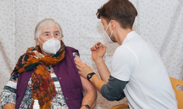 Stuttgart: Erstimpfung in allen Alten- und Pflegeheimen geschafft