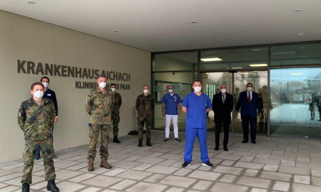 Truppenbesuch im Krankenhaus Aichach