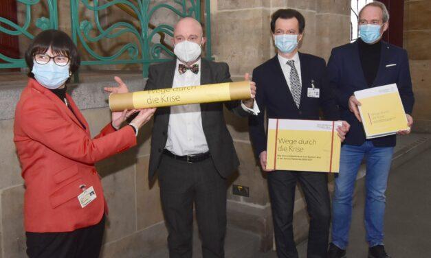 Universitätsklinikum übergibt Dokumente zur Corona-Pandemie an Dresdens Stadtarchiv