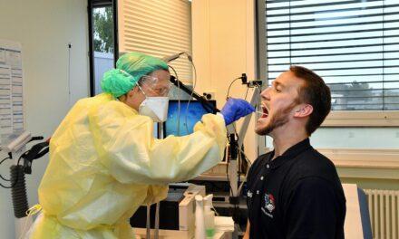 Corona-Tests im Wert von 700.000 Euro im vergangenen Jahr am Klinikum Südstadt