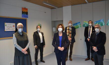 Erweiterungsbau eröffnet und Jugendpsychiatrie des Klinikums Mutterhaus vergrößert sich