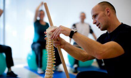 Paracelsus-Kliniken zum Tag der Rückengesundheit: Rückenprobleme nicht verharmlosen