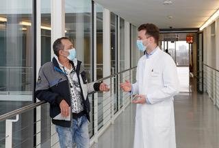 Uniklinik Düsseldorf: Erste Operation dieser Art in Düsseldorf / Herzchirurgie setzt Akzente in der minimal-invasiven Chirurgie