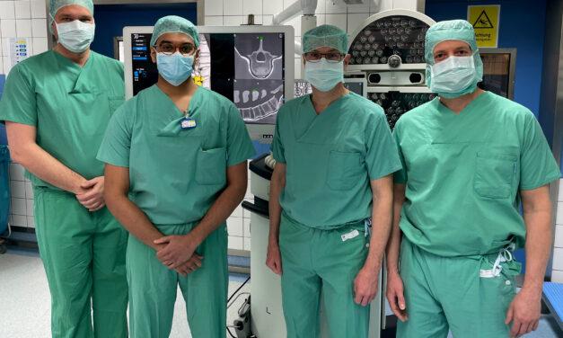 Neues Navigationsgerät in der Wirbelsäulenchirurgie europaweit erstmalig im St. Franziskus-Hospital eingesetzt