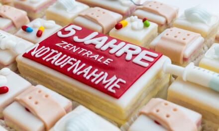 Fünf Jahre rund um die Uhr im Einsatz / Zentrale Notaufnahme am Caritas-Krankenhaus St. Josef feiert Jubiläum