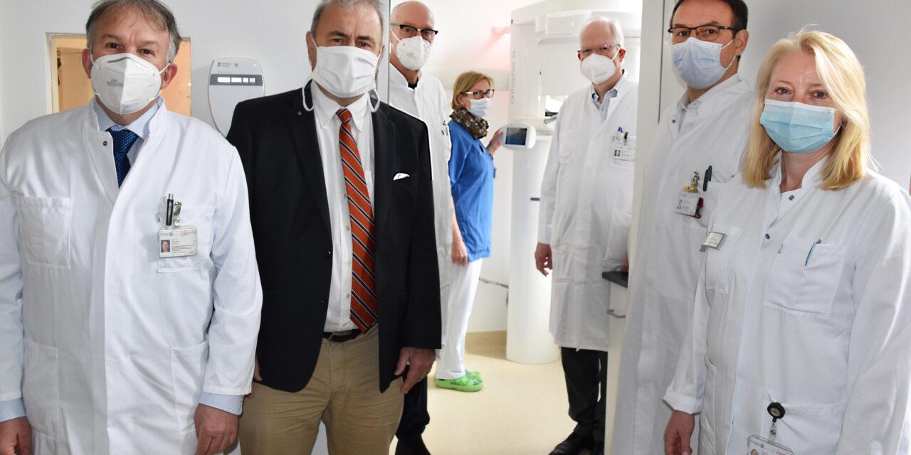Zahnklinik weiht hochmoderne Röntgengeräte ein