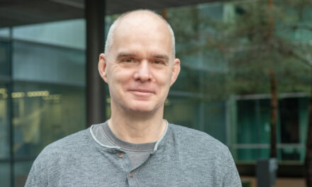 Körpereigene Wirkstoffe gegen Bakterien, Viren und Krebs: Ulmer SFB zum menschlichen Peptidom geht erfolgreich in die Verlängerung