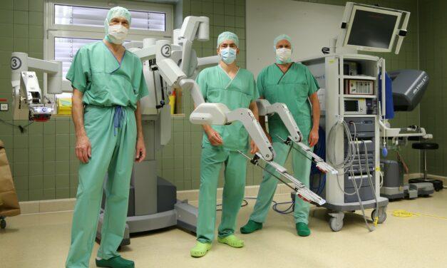 Adipositas-Chirurgie mit hoch präziser Roboter-Unterstützung
