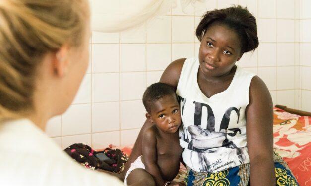 Tübingen führt klinische Studie zur Entwicklung eines neuen Malariamedikaments an
