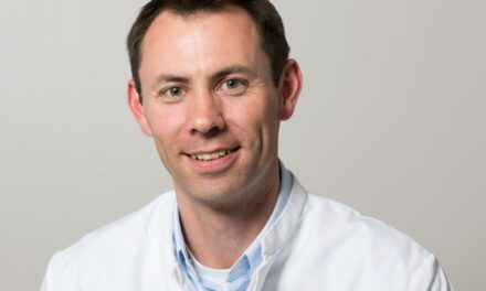 """Sportler und ihr Herz. Trierer Kardiologe informiert zum Thema """"Plötzlicher Herztod beim Sport"""" – mit Porträtfoto!"""
