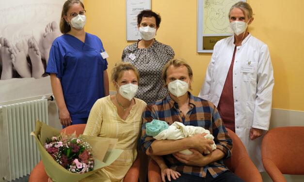 """""""Jule hatte es eilig"""" 1000. Baby in diesem Jahr im Klinikum Lippe"""