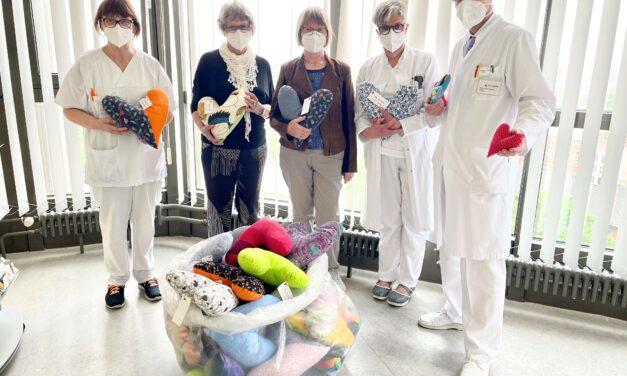 Klinikum Bielefeld Mitte: Herzkissen für Brustkrebs-Patientinnen