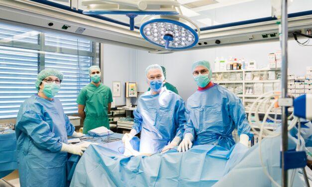 Ausgezeichnetes Darmzentrum: Klinikum Mutterhaus bundesweit in der Spitzengruppe