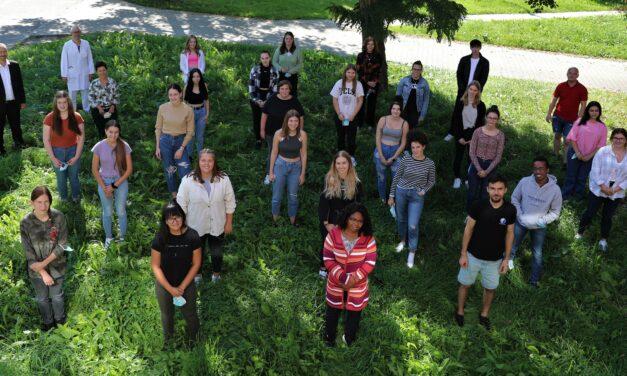 28 neue Pflegeschüler am Klinikum Landshut