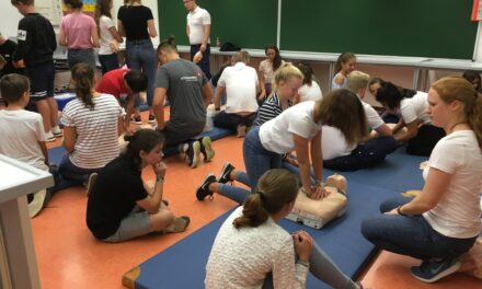 Woche der Wiederbelbung 20 9. – Schüler werden in Reanimation ausgebildet